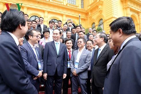Chủ tịch nước Trần Đại Quang  gặp mặt 100 đại biểu người Việt Nam tài năng trong lĩnh vực khoa học và công nghệ (Thời sự chiều 18/8/2018)