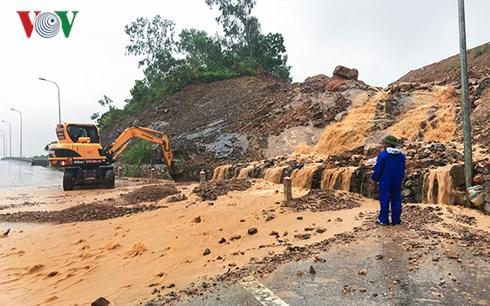 Quảng Ninh: Dân phố lo sạt lở, lũ bùn mùa mưa bão (6/8/2018)