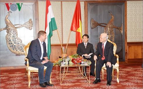 Các hoạt động giao lưu, hữu nghị, hợp tác giữa Việt Nam với các nước (10/9/2018)