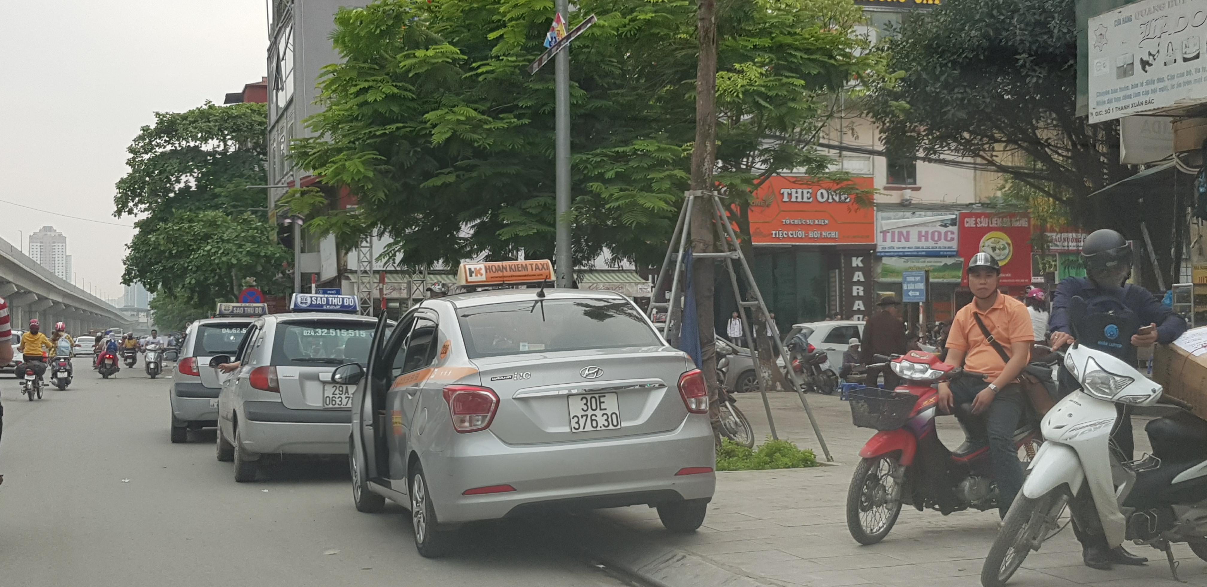 Nhức nhối tình trạng taxi vi phạm an toàn giao thông (17/9/2018)