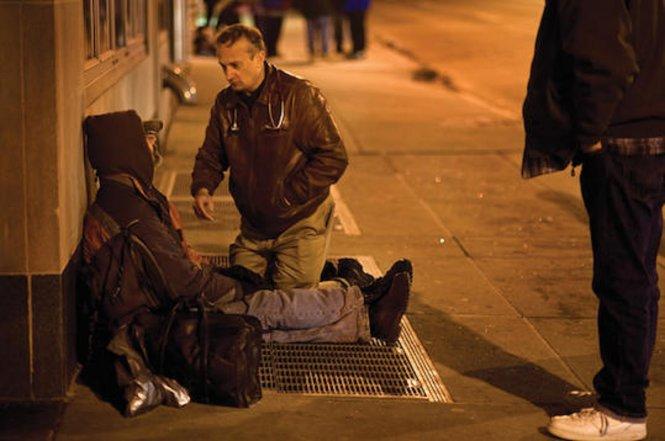 Hoạt động tình nguyện giúp đỡ người vô gia cư (28/1/2019)