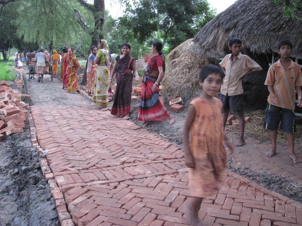 Người phụ nữ vận động xây dựng đường xá, giúp thay đổi cuộc sống người dân ở 17 ngôi làng của Ấn Độ (9/1/2019)
