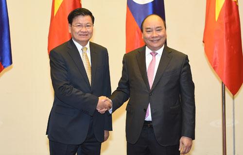 Thủ tướng Nguyễn Xuân Phúc và thủ tướng Lào Thongloun Sisoulith chủ trì Kỳ họp lần thứ 41 Ủy ban Liên Chính phủ Việt Nam – Lào (Thời sự sáng 6/1/2019)