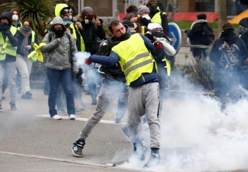 """Biểu tình """"áo vàng"""" tái diễn bạo lực tại Pháp (7/1/2019)"""