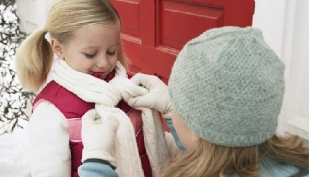 Chăm sóc sức khỏe, giữ ấm cho trẻ em trong mùa đông (28/1/2019)