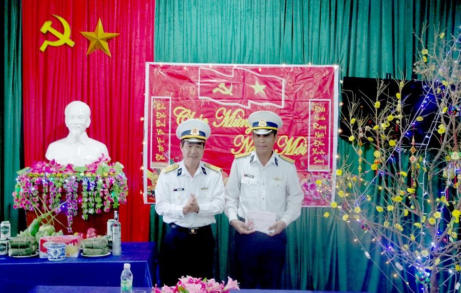 Vùng 3 Hải quân, chúc Tết trạm ra đa 540 Cồn Cỏ (31/1/2019)