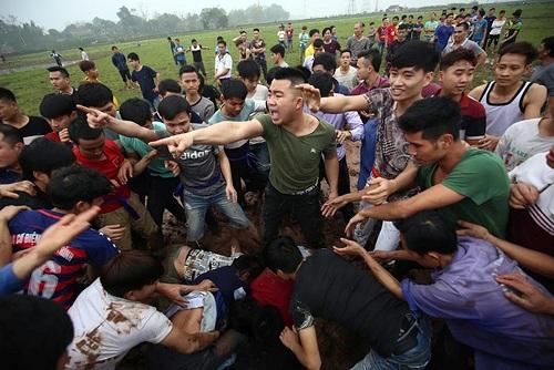 Trục lợi, bạo lực tại lễ hội: Bệnh khó chữa (26/1/2019)