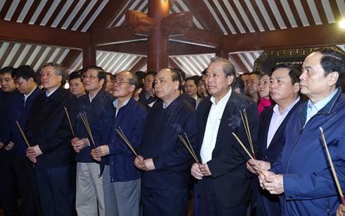 Thủ tướng Nguyễn Xuân Phúc và lãnh đạo Đảng, Nhà nước dâng hương tưởng nhớ Bác Hồ (Thời sự chiều 27/1/2019)