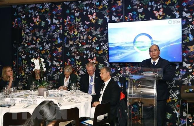"""Thủ tướng dự phiên thảo luận """"Cuộc gặp các nhà lãnh đạo về chương trình nghị sự hành động đại dương"""" (Thời sự sáng 24/1/2019)"""