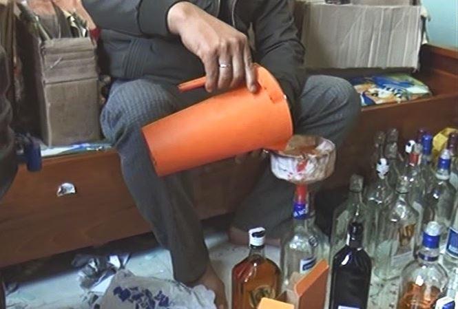 Cảnh báo nạn rượu giả, kém chất lượng: Cần chế tài xử phạt nghiêm (17/1/2019)