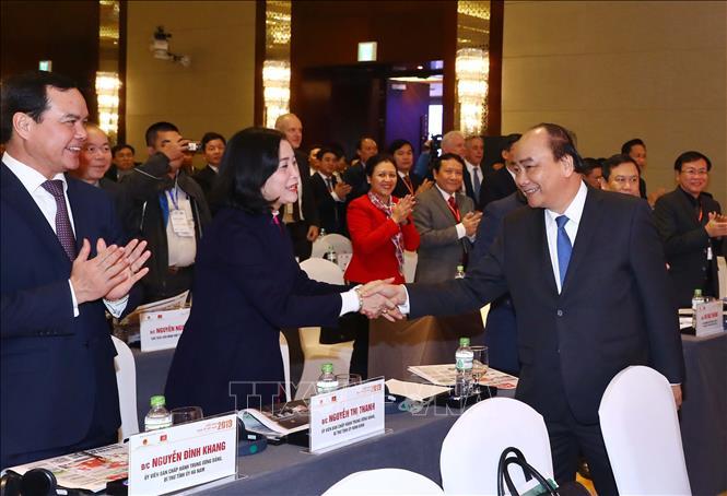 Thủ tướng Nguyễn Xuân Phúc đồng chủ trì Diễn đàn Kinh tế Việt Nam năm 2019 với chủ đề: Củng cố nền tảng cho tăng trưởng nhanh và bền vững (Thời sự chiều 17/1/2019)