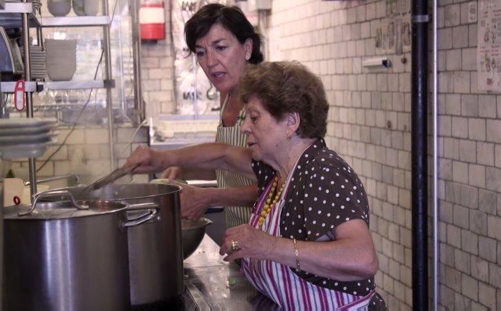 """Mỹ mở nhà hàng """"Những người bà trên khắp thế giới"""" (21/1/2019)"""