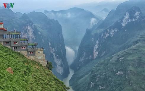 THỜI SỰ 18H00 CHIỀU 5/10/2019: Bộ Văn hóa, Thể thao và Du lịch lên tiếng về tòa nhà xây trái phép trên đèo Mã Pì Lèng, Hà Giang