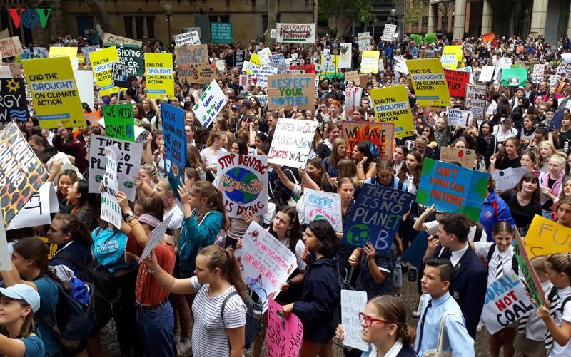 Phong trào chống biến đổi khí hậu Extinction Rebellion tiếp tục các cuộc biểu tình lan rộng (8/10/2019)