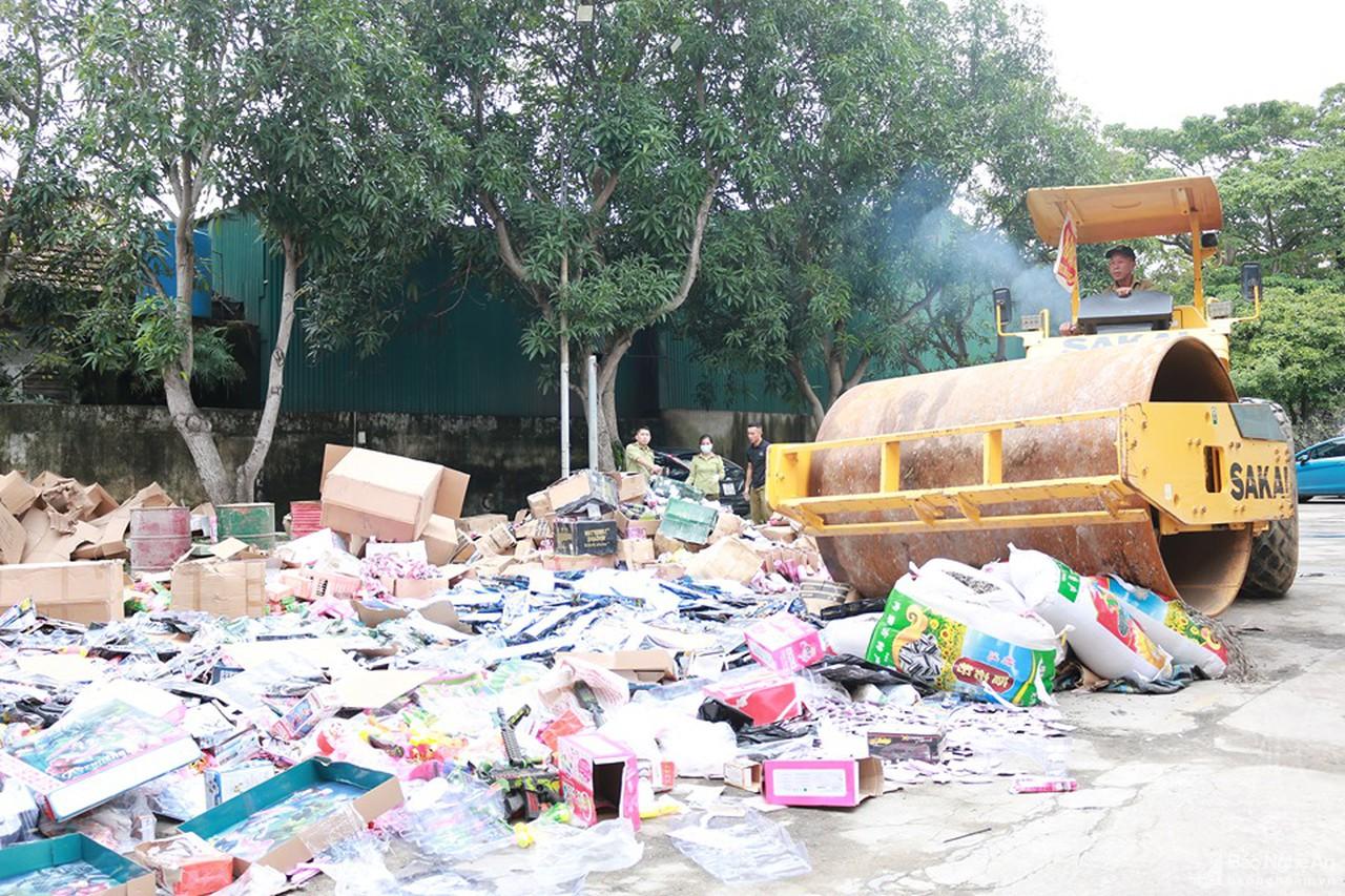 Nghệ An: tiêu hủy số lượng lớn hàng hóa vi phạm, trị giá gần 2 tỷ đồng (31/10/2019)