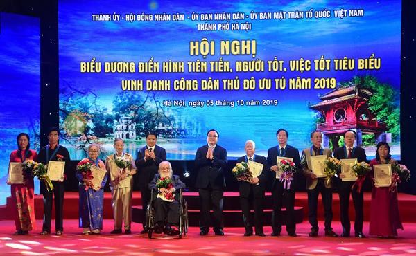 """Kỷ niệm 65 năm Ngày giải phóng Thủ đô: Hà Nội - địa phương tiên phong của phong trào """"Người tốt việc tốt!"""" (10/10/2019)"""