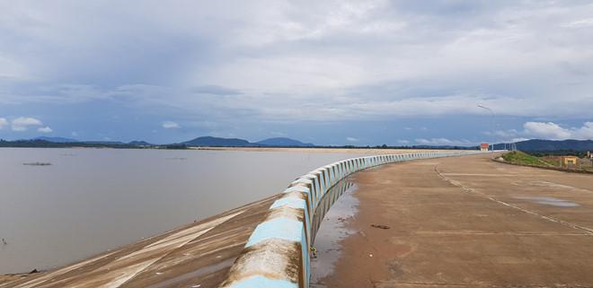 Loạt bài: Tìm giải pháp cho công trình thủy lợi 3.000 tỷ không có vùng tưới. Phần 2: Nghịch lý công trình thủy lợi khổng lồ không có vùng tưới (9/10/2019)