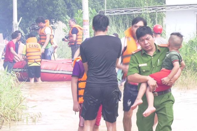 THỜI SỰ 21H30 ĐÊM 3/10/2019: Thành phố Đồng xoài của tỉnh Bình Phước hứng chịu trận lũ lớn nhất trong 10 năm qua