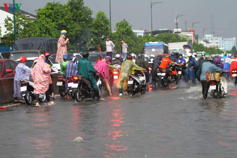 Thành phố Hồ Chí Minh cần xóa