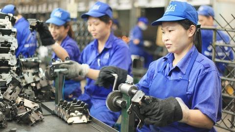Tăng tuổi nghỉ hưu: Phương án nào đảm bảo quyền lợi người lao động? (25/10/2019)
