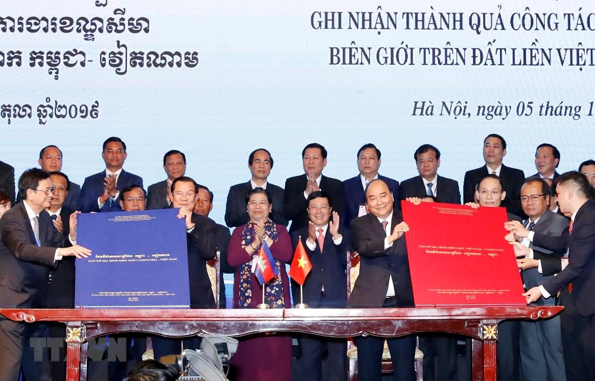 THỜI SỰ 6H SÁNG 6/10/2019: Việt Nam và Campuchia ra tuyên bố chung khẳng định việc ký hai văn kiện pháp lý ghi nhận thành quả khoảng 84% biên giới trên đất liền đã được phân định, cắm mốc, là dấu mốc lịch sử trong tiến trình giải quyết biên giới đất liền giữa hai nước.