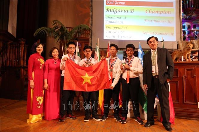 Học sinh trường Hà Nội - Amsterdam 4 lần tham gia Cuộc thi Toán học trẻ quốc tế đều đạt huy chương (29/10/2019)