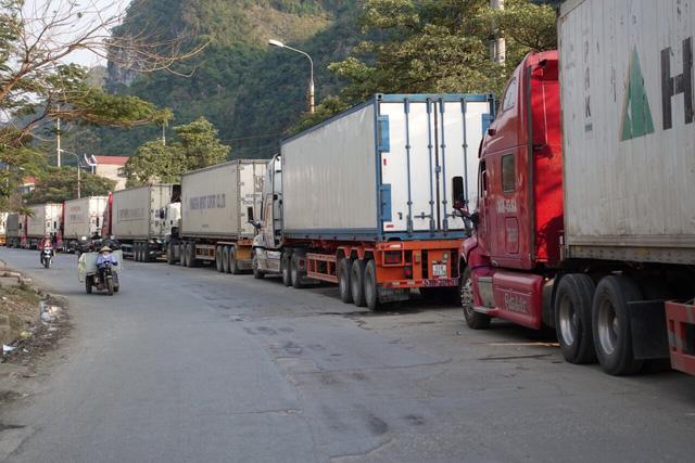 Khẩn trương giải quyết ùn tắc nông sản tại cửa khẩu Tân Thanh - Lạng Sơn (24/10/2019)