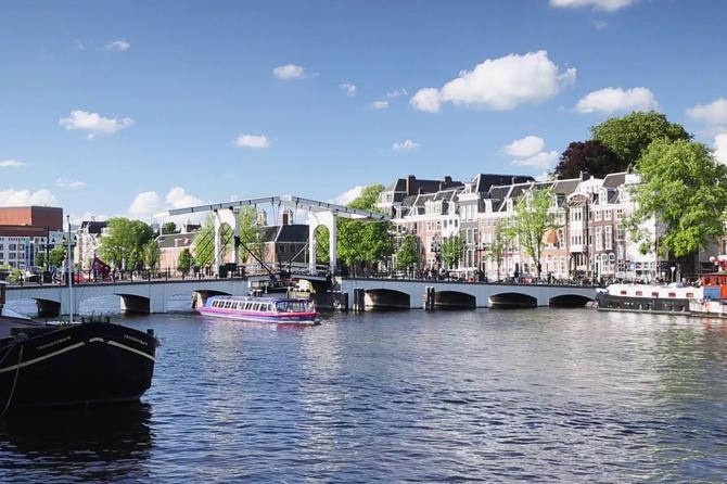 Amsterdam, Hà Lan: dọn rác thải nhựa, làm sạch các con kênh (18/11/2019)