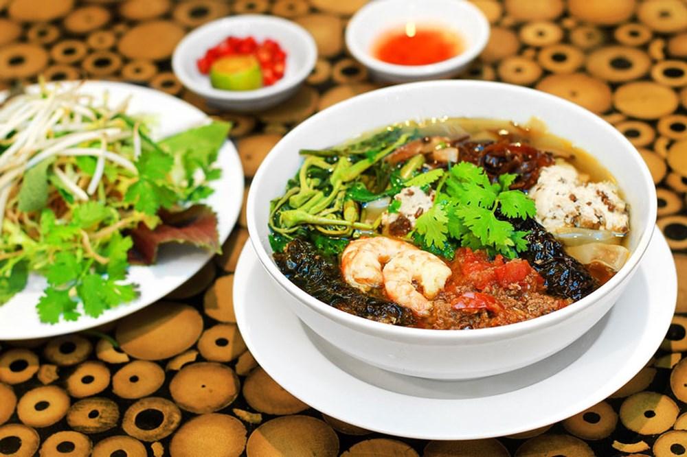 Về Hải Dương thưởng thức món ăn đậm hương vị quê nhà: Bánh đa cua (14/11/2019)
