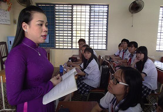 Văn hóa ứng xử học đường: Làm thế nào để giáo viên sống được bằng nghề, yên tâm cống hiến? (15/11/2019)