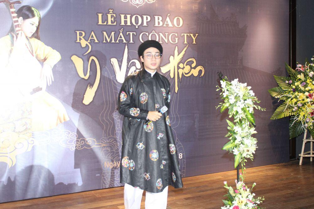 Chàng trai 9X khởi nghiệp từ di sản bằng việc phục dựng những trang phục cổ (21/11/2019)