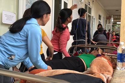 THỜI SỰ 18H00 CHIỀU 23/11/2019: Sau gần 10 ngày xảy ra các vụ ngộ độc khí tại Công ty Lợi Tín Lập Thạch, tỉnh Vĩnh Phúc, hiện vẫn còn khoảng 100 công nhân đang được điều trị tại bệnh viện