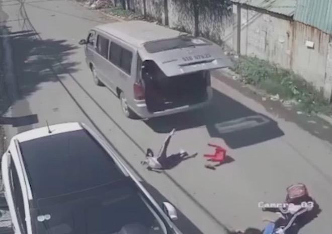 THỜI SỰ 6H SÁNG 28/11/2019: Đồng Nai yêu cầu đảm bảo an toàn cho học sinh, khi sử dụng dịch vụ xe đưa đón, sau vụ 3 học sinh lớp 1 bị văng khỏi xe ô tô đưa đón cách đây 2 ngày.