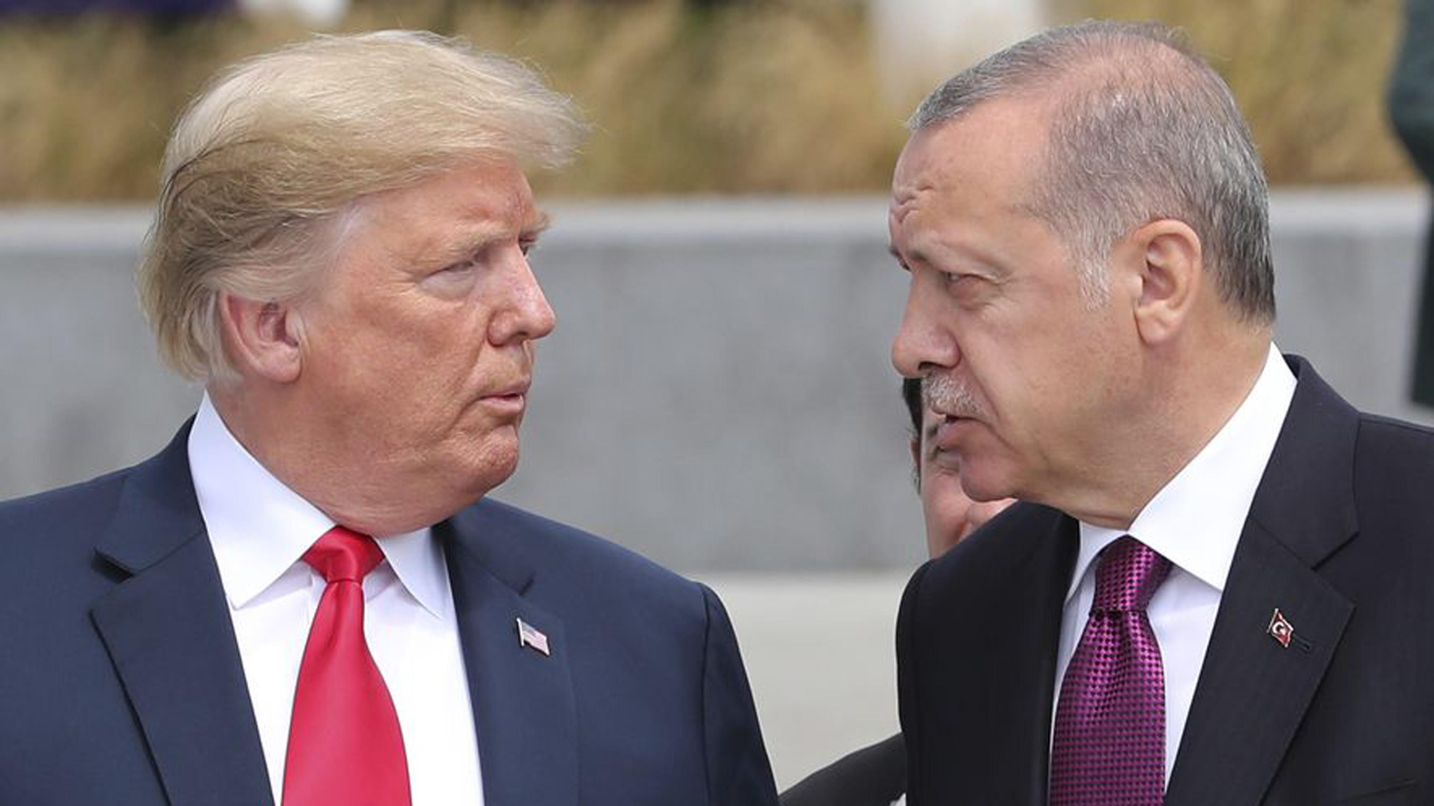 Mỹ - Thổ Nhĩ Kỳ: Đồng minh trong bất đồng (17/11/2019)