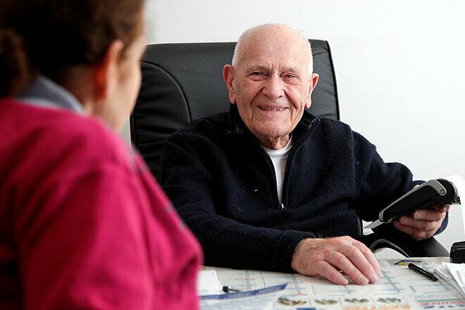 Câu chuyện về một bác sĩ 98 tuổi ở Pháp chữa bệnh cứu người (26/11/2019)