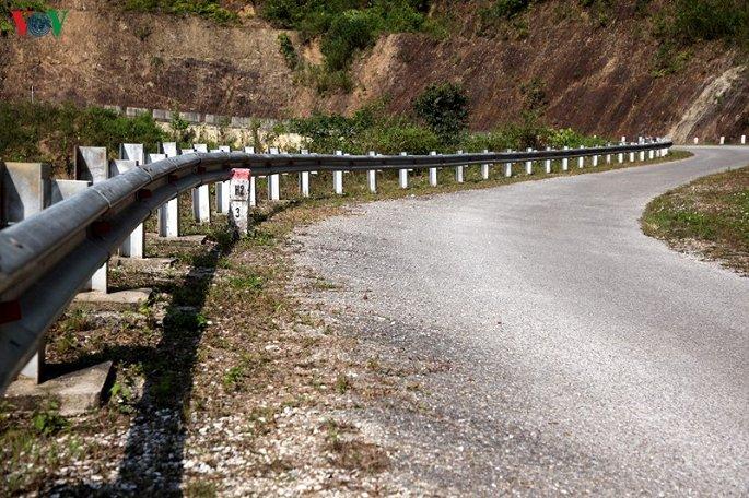 """Tuyến đường 107- dự án đường giao thông liên vùng nối tỉnh Lai Châu với Sơn La- """"vắng vẻ đìu hiu""""sau gần 4 năm bàn giao đưa vào sử dụng (21/11/2019)"""