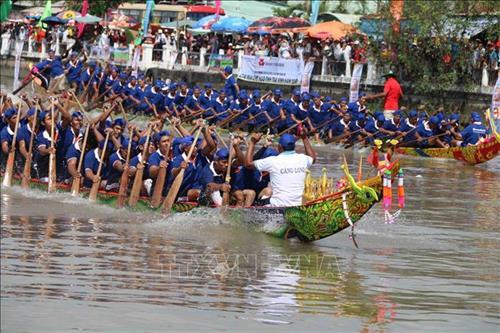 Trà Vinh: Không khí rộn ràng đón lễ hội Ok Om Bok truyền thống của đồng bào Khmer (9/11/2019)