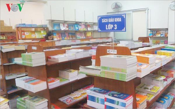 Nhiều sách giáo khoa: Bộ sách nào được chọn và cách chọn như thế nào? (25/11/2019)