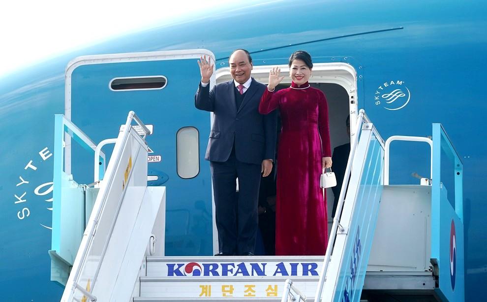 THỜI SỰ 18H00 CHIỀU 24/11/2019: Thủ tướng Nguyễn Xuân Phúc cùng phu nhân đến thành phố Busan, Hàn Quốc.