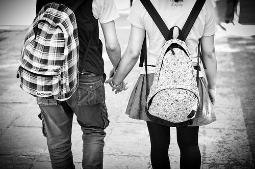 Cha mẹ ứng xử như thế nào khi biết con yêu sớm? (7/11/2019)
