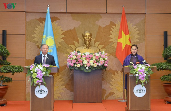 THỜI SỰ 18H CHIỀU 14/11/2019: Chủ tịch Quốc hội Nguyễn Thị Kim Ngân đón và hội đàm với Chủ tịch Hạ viện Kazakhstan.