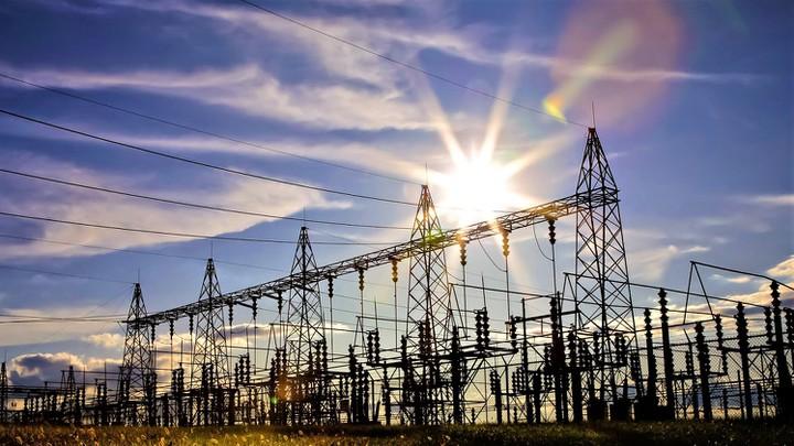 """Loạt bài: Làm gì để quy hoạch phát triển điện lực Quốc gia không bị phá vỡ? Bài 1 với nhan đề: Vỡ quy hoạch vì... phát triển """"nóng"""" năng lượng tái tạo."""