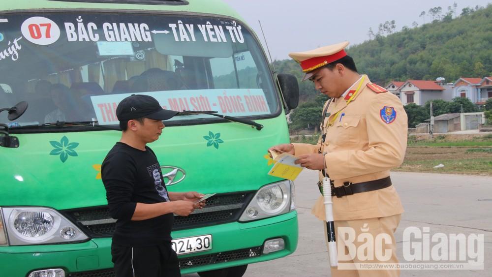 Bắc Giang tổng kiểm tra xử lý xe đưa đón công nhân không đảm bảo an toàn giao thông (16/12/2019)