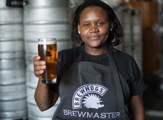 Nữ doanh nhân xây dựng công ty bia thủ công đầu tiên của Nam Phi (2/12/2019)