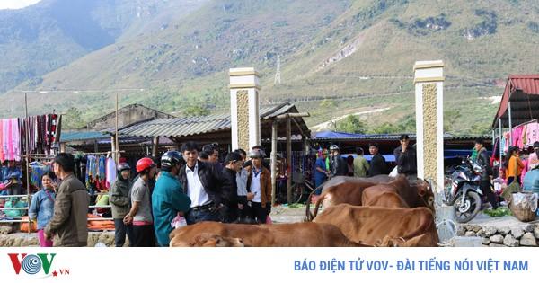 Chợ phiên Tráng Kìm - chợ cổ đã có rất lâu đời ở xã  Đông Hà, huyện Quản Bạ, tỉnh Hà Giang (26/12/2019)