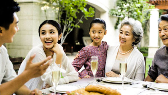 Sống cùng gia đình chồng, làm thế nào để mối quan hệ mẹ chồng nàng dâu được thuận hòa? (19/12/2019)