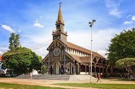 Nhà thờ Chính tòa Kom Tum, điểm du lịch độc đáo ở vùng đất Tây Nguyên (14/12/2019)