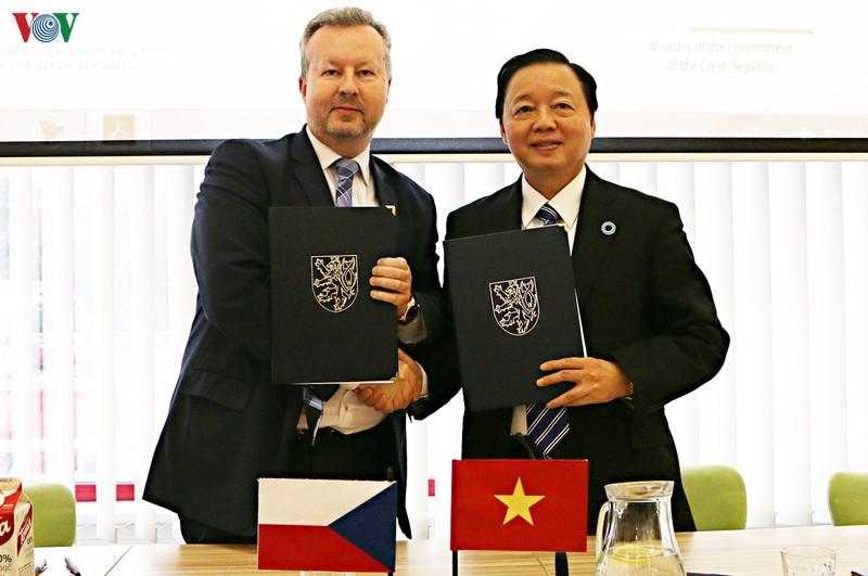 Việt Nam - Séc thúc đẩy hợp tác về môi trường (16/12/2019)