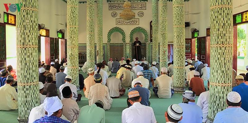 Lớp dạy Kinh koran ở thánh đường Hồi giáo (13/12/2019)