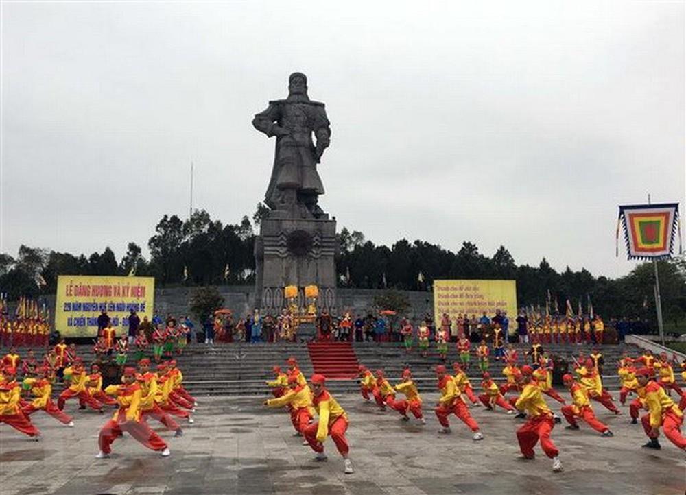 Dâng hương kỷ niệm 230 năm chiến thắng Ngọc Hồi - Đống Đa (Thời sự chiều 8/2/2019)